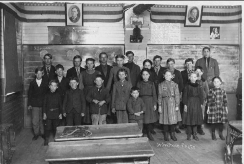 Garfield Center country school photo, Garfield Township, Kossuth County, Iowa
