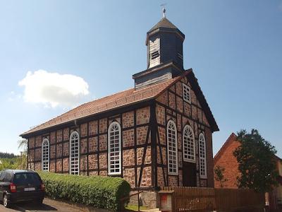 Machtlos Church