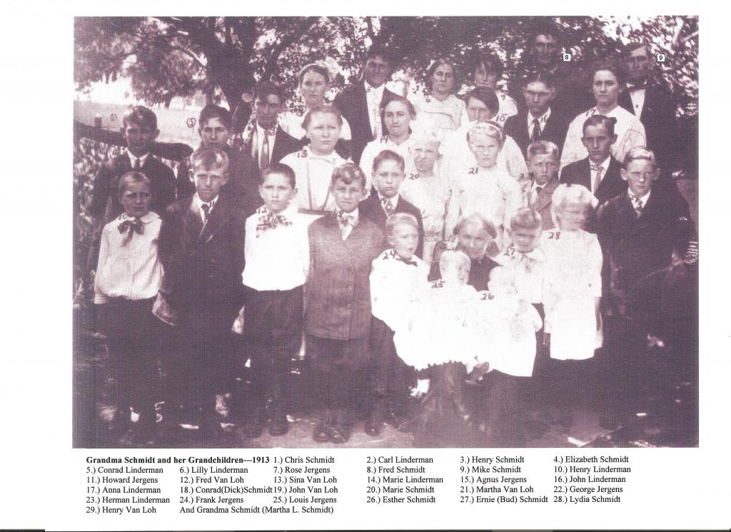 Martha Lindemann Schmidt and her grandchildren 1913